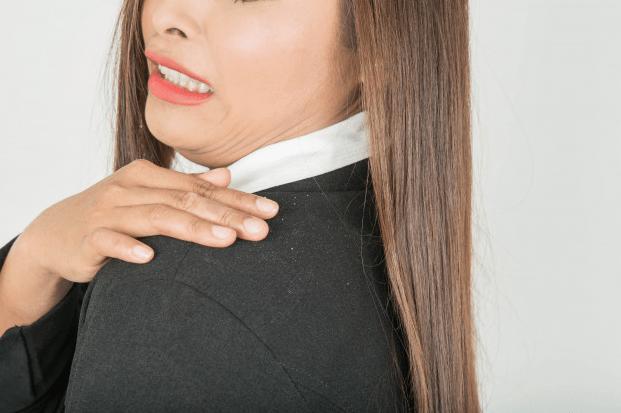 Cómo eliminar la caspa de manera natural